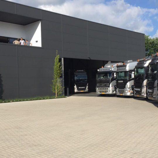 https://www.pluimveehandelvanhunnik.nl/wp-content/uploads/2017/07/image2-003-540x540.jpg